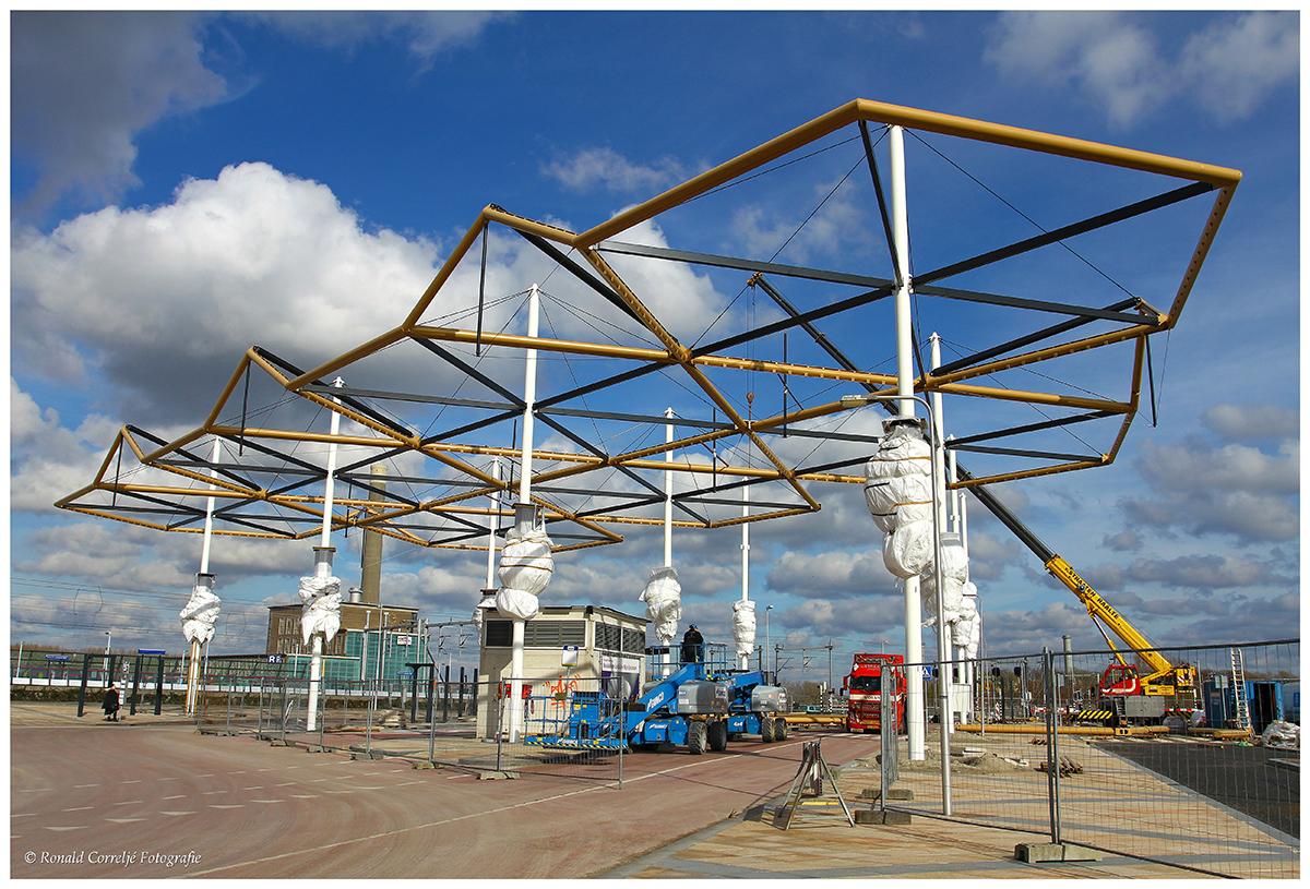 Montage staalconstructie voor busstation